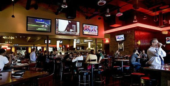 Courtside Grille: Catch your favorite game here
