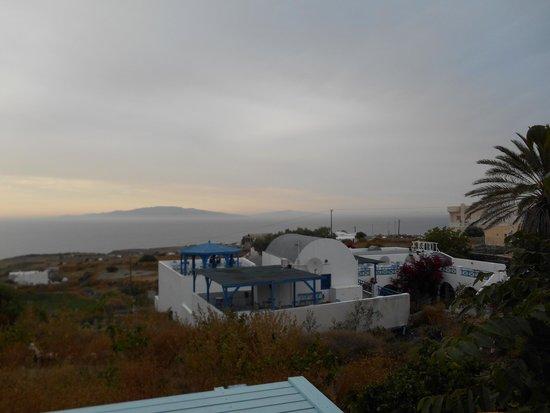 Roka Kafeneio Ouzeri : View