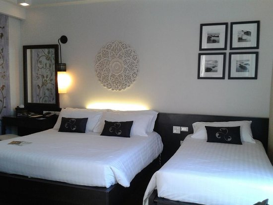 Movenpick Asara Resort & Spa Hua Hin: นอน 2 คน แต่เตียงใหญ่มาก