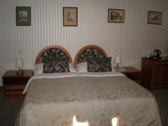 Hotel Pod Vezi: Dormitorio
