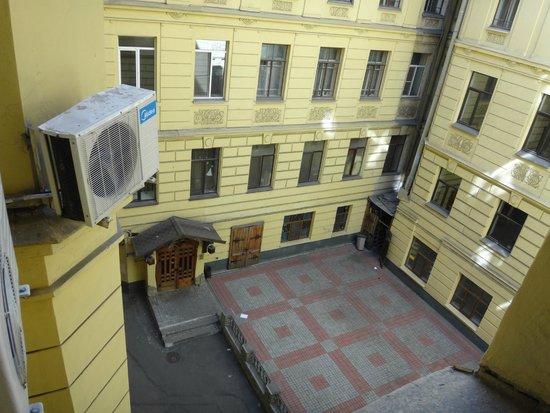 Hotel Sonata at Gorokhovaya: вид из окна