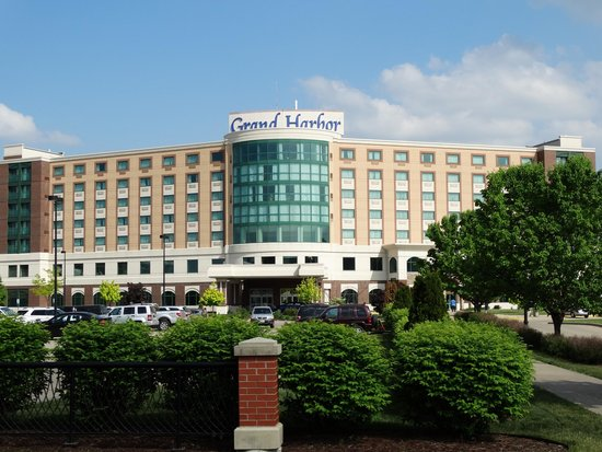 Dubuque Welcome Center: Hotel