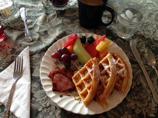 The Brunswick at Saratoga : OMG, so good Waffles