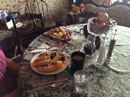 The Brunswick at Saratoga : yummi breakfast