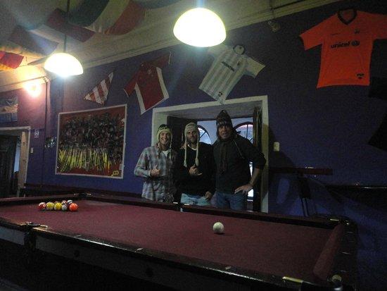 Pirwa Colonial Hostel: con Mike y Tiago, champions