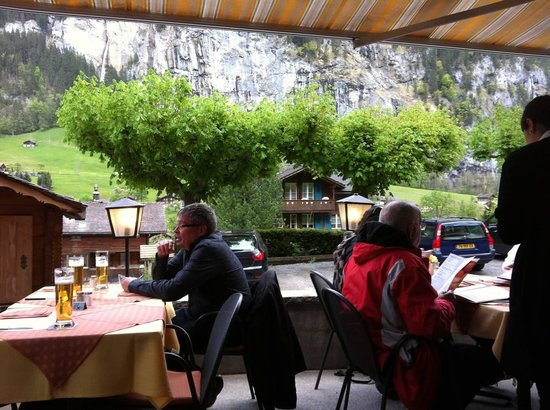 Hotel Oberland Restaurant: View from the patio