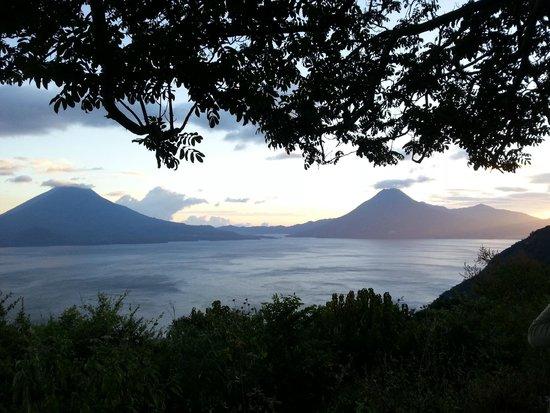 Atitlan Adventure Tours : Un lago espectacular