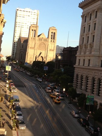 Stanford Court San Francisco : View of California Street from our window