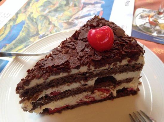 Hotel Oberland Restaurant: Black Forest Cake
