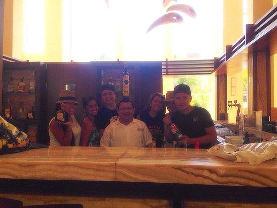 Excellence Playa Mujeres: Cheeeers family beltran 2014