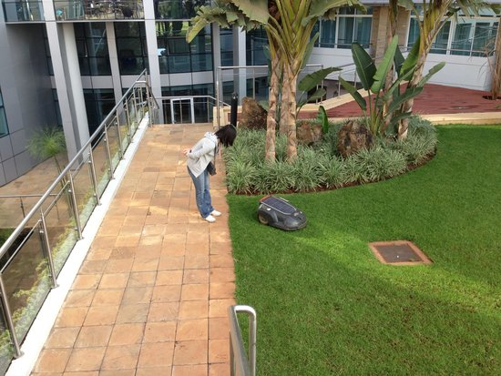 The Boma Nairobi : お庭も綺麗にお手入れされていました