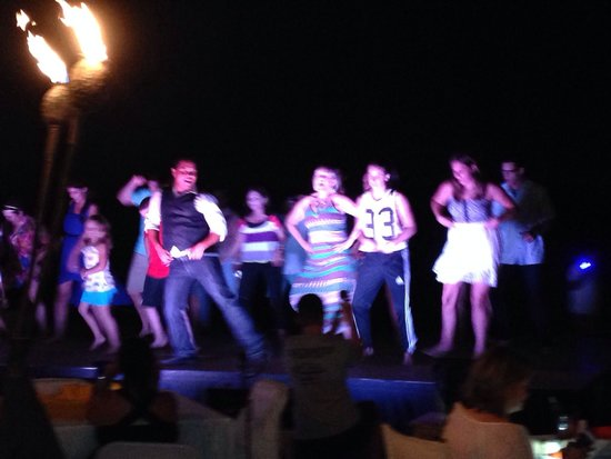 Baja Cantina Beach Club: Audience participation after dinner and fireworks.