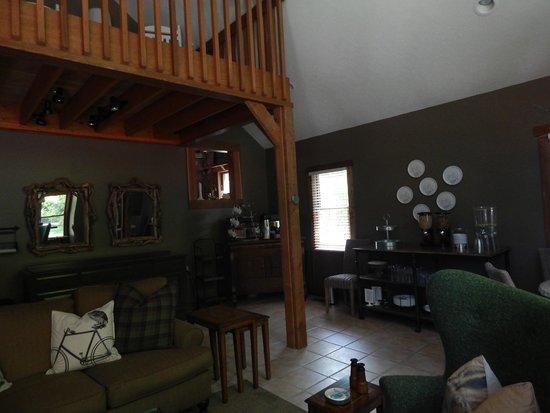 The Getaway Inn at Cooper's Woods: Common/Breakfast area