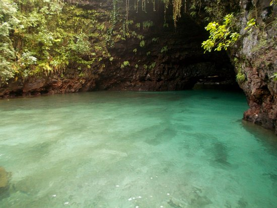 To Sua Ocean Trench: clear waters