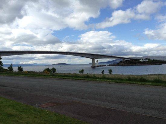 Mo Dhachaidh Guest House: Skye Bridge