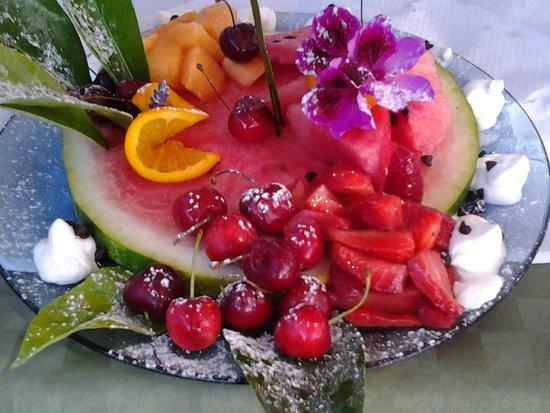 La Fenice : Composizione di frutta fatta da Rino!