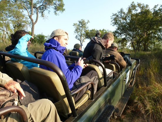 Shindzela Tented Camp: Viewing a kill