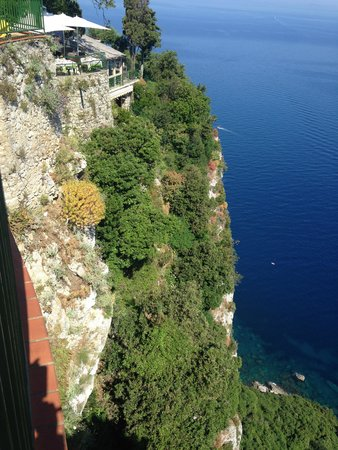 Caesar Augustus Hotel: view of restuarant and cliff from terrace of rm 118