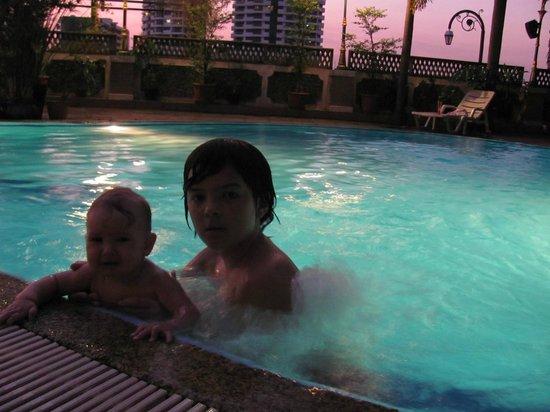 New Siam Riverside Guest House: Детям нравится