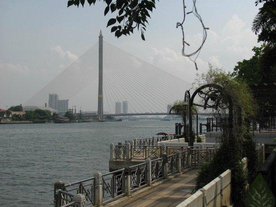 New Siam Riverside Guest House: Вид из ресторана