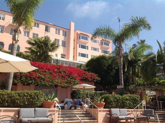 La Valencia Hotel : Hotel Grounds