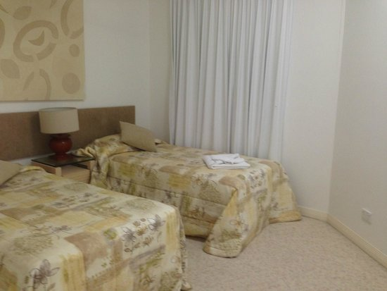 Tingeera Luxury Beachfront Apartments : 2nd bedroom