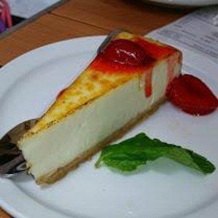 Wolfgang Puck Express: Vanilla Bean Cheesecake