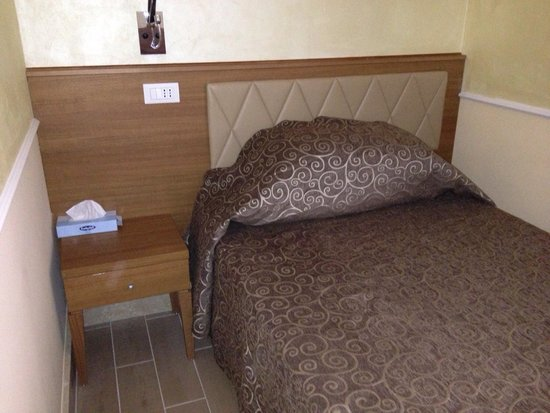 Kennedy Hotel: Single room.
