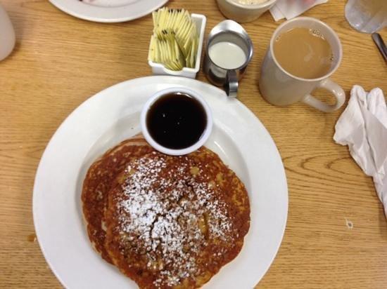 Early Bird Diner : Pumpkin Praline Pancakes....Nom Nom Nom