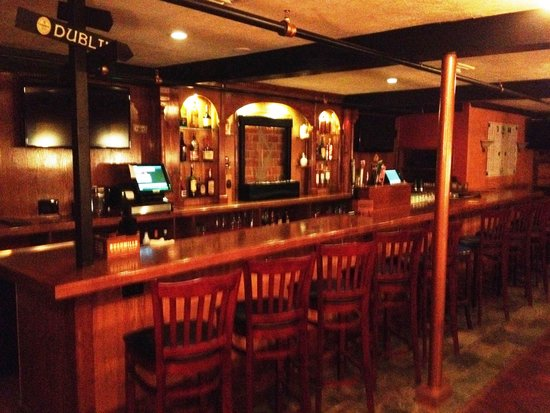 The Harp and Celt Irish Pubs and Restaurant: The second bar located in the Harp
