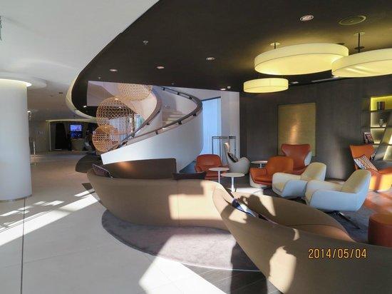 Pullman Brussels Centre Midi Hotel: ロビー