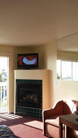 The Edgecliff Motel: TV