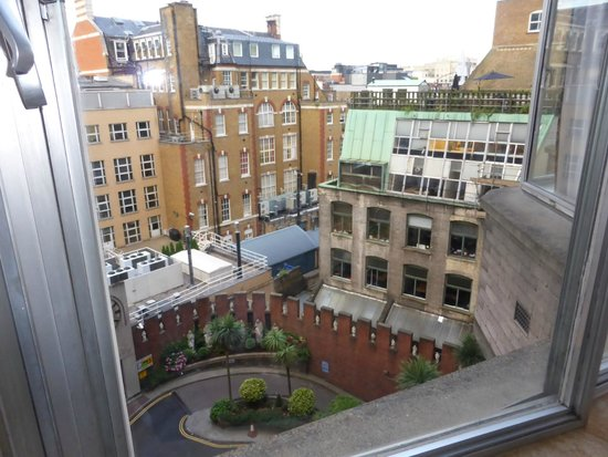 Imperial Hotel : View from room