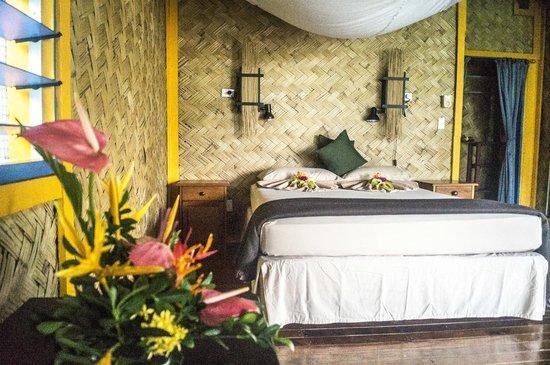 Waidroka Bay Resort: Deluxe Ocean Front Bure