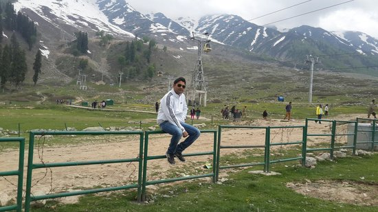 Discover Gulmarg Adventures : Awesome place