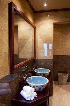 The Villa Paradiso : Bathroom Colonial