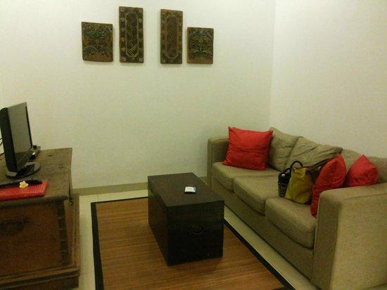 Kamar Kamar Rumah Tamu : Livingroom with cable TV