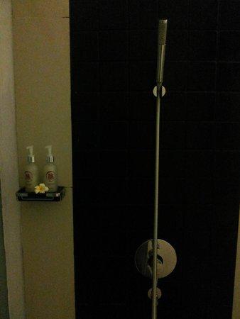 Kamar Kamar Rumah Tamu : Shower area