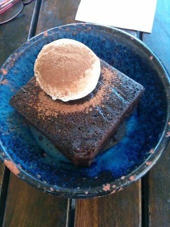 Little Creatures: brownies with vanilla ice-cream