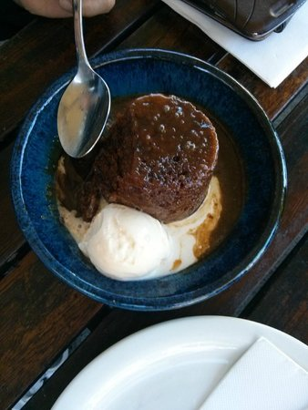 Little Creatures: sticky pudding with ice cream