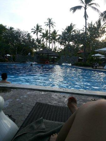Melia Bali Indonesia: The pool area