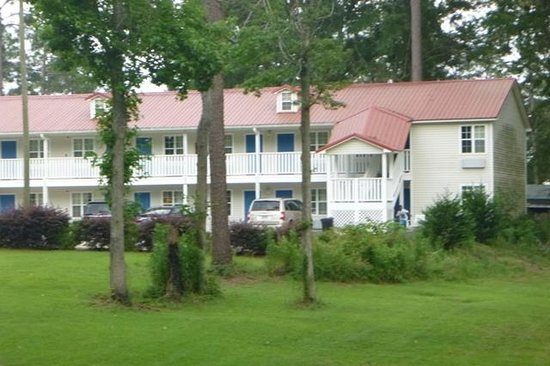 Mt Vernon Inn and Suites: outside view
