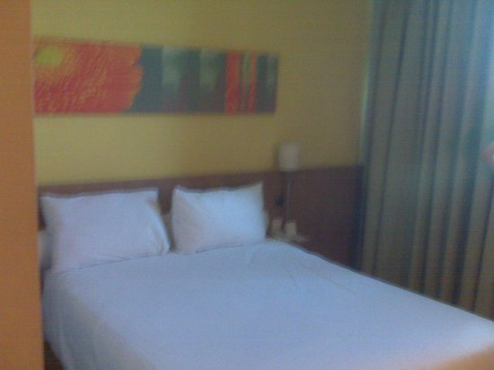 Ibis Jakarta Slipi: My Room