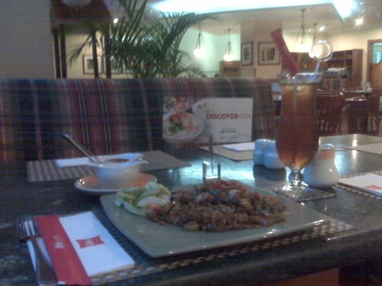 Ibis Jakarta Slipi: Dinner at La Table