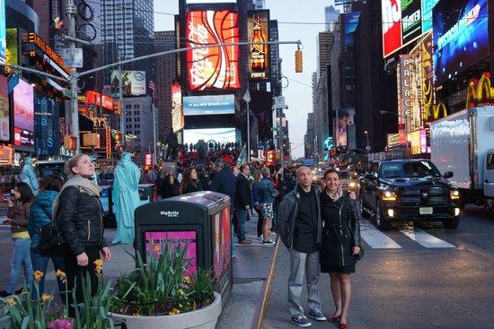 Times Square Visitors Center : Times Square