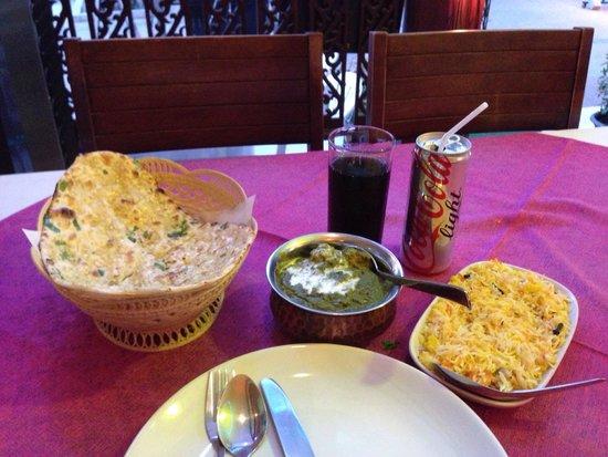 Bombay Palace: Garlic naan, chicken saagwala and basmati rice.
