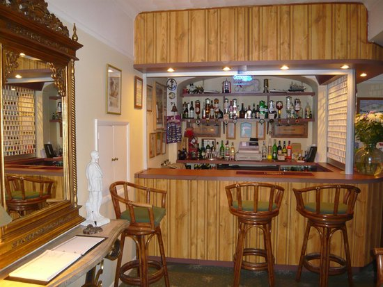 The Croft Guest House: Harbour Bar