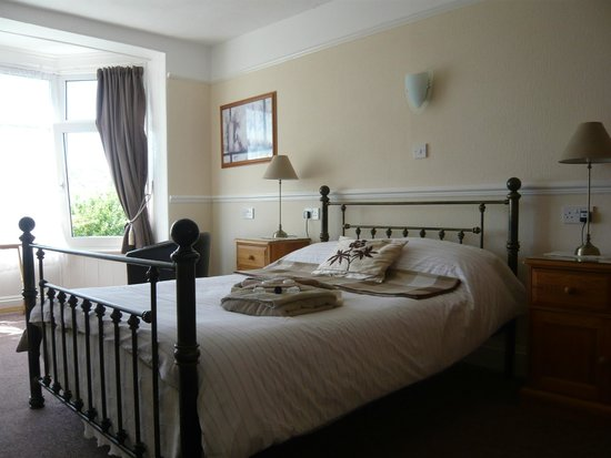 The Croft Guest House: Double Harbour room