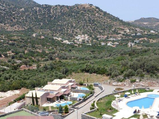Filion Suites Resort & Spa: Setting
