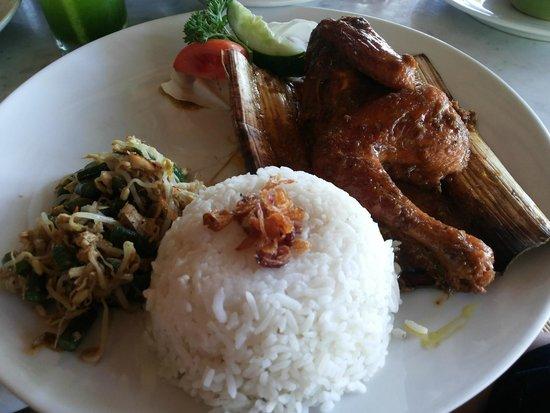 Bebek Tepi Sawah: Betutu Chicken